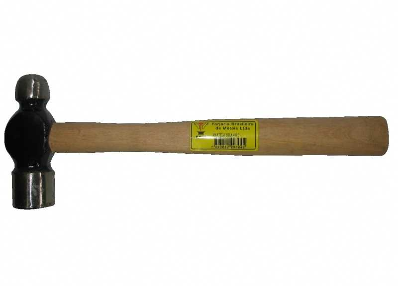 Descrição:Martelo bola forjado em aço especial, jateado e com cabo de madeira. Peso 800g.